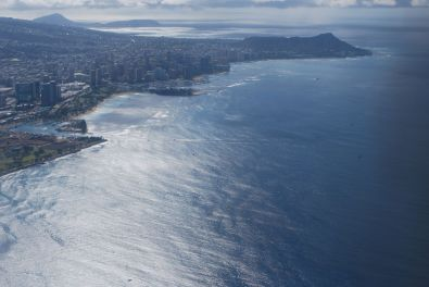 Honolulu and Waikiki beach seen from above