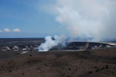 Smoke coming from the Halema'uma'u Crater, after the eruption in march 2008